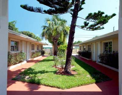 Condo Courtyard - all ground level - Cape Canaveral Condo - Cape Canaveral - rentals
