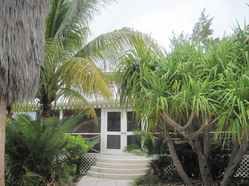 Romantic little cottage in the heart of Grace Bay - Image 1 - Providenciales - rentals