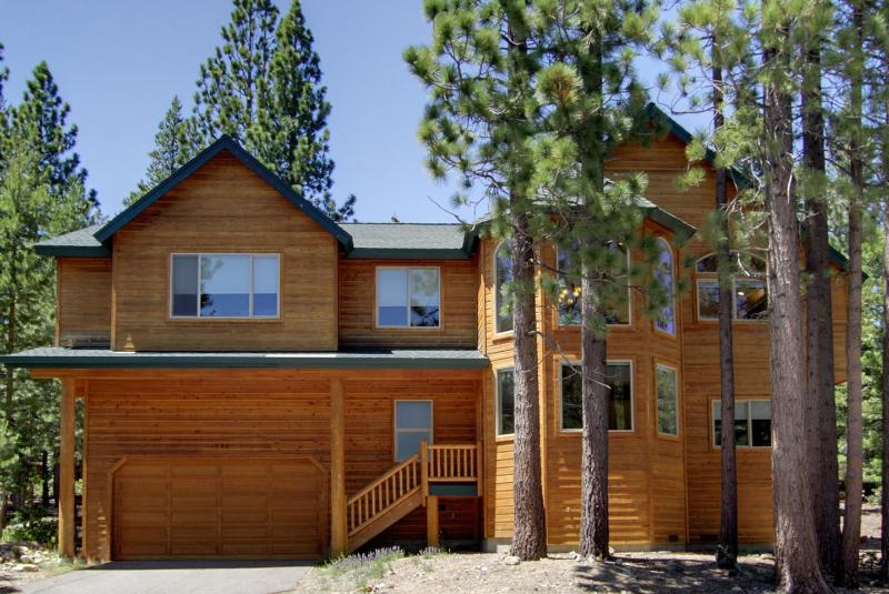 TOPPEWETAH, 6 Bdm Lodge ,Sauna, Steam Room, Wifi - Image 1 - South Lake Tahoe - rentals