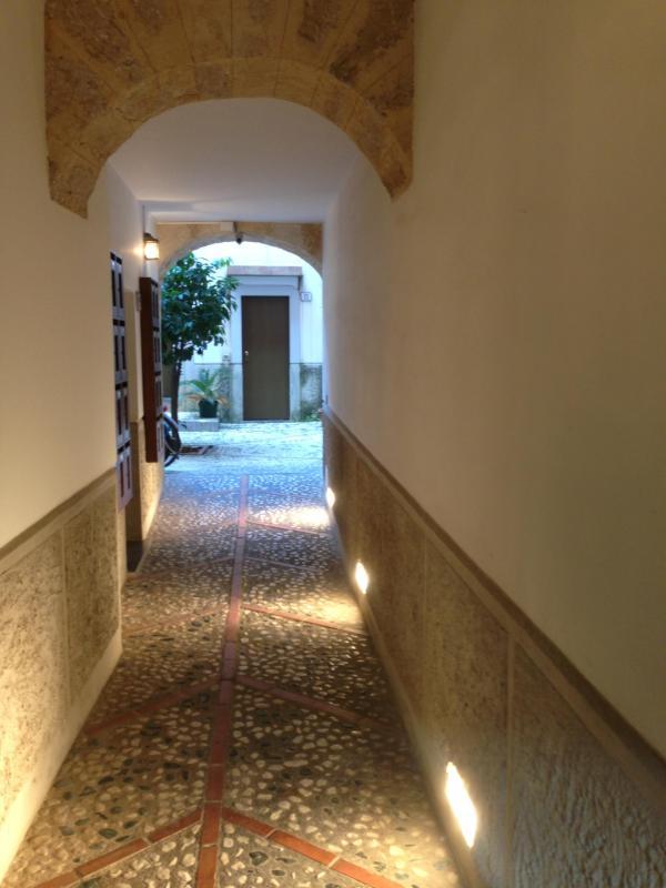 Monolocale Santissimo Salvatore - Image 1 - Palermo - rentals
