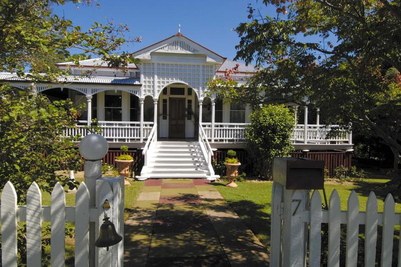 HERITAGE LISTED WISSHOUSE - Multi Award Winning Historical Wiss House Bed And Breakfast - Kalbar - rentals
