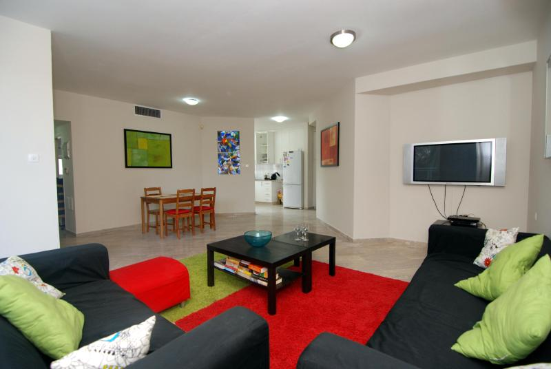 Living Room - Hama'apilim - (by the beach) - Herzliya 2 Bed Apt - Herzlia - rentals