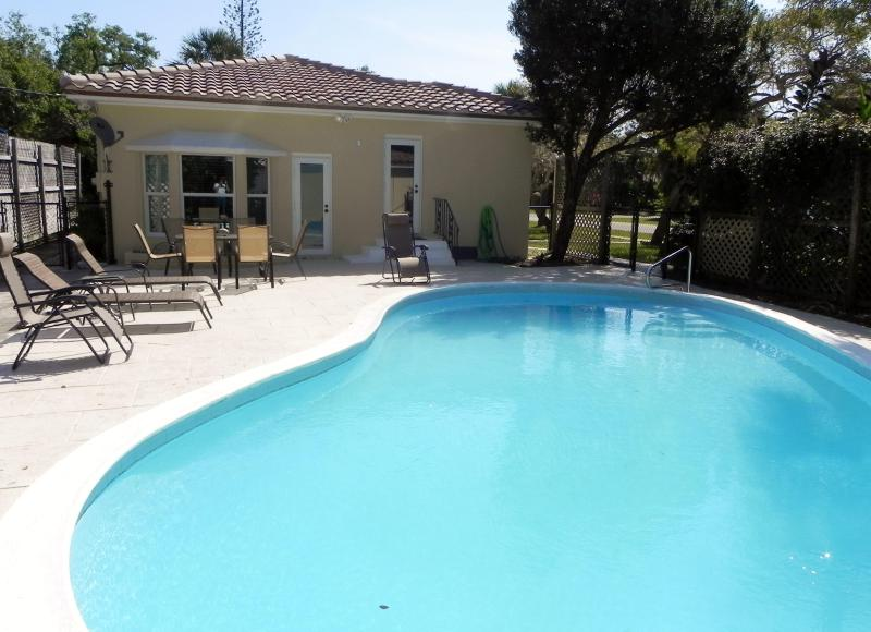 Pool with Lounge Chairs and Dining Table - Private 3 Bdrm 2 Bath Home W/Pool, 1 Mi to Beach - Lantana - rentals