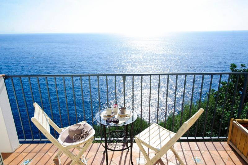 all our rooms have terraces overlooking the sea - BB La Maurella 200mt from the beach - parking - Praiano - rentals