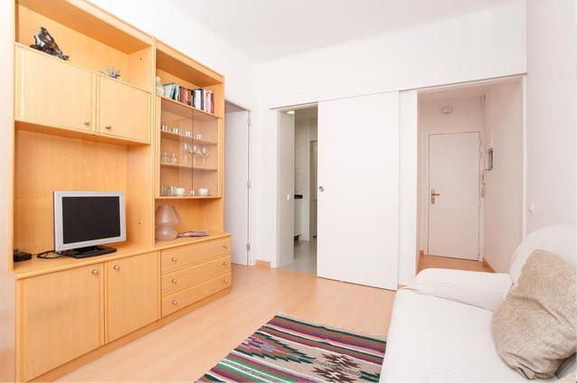 Comfortable and remodeled Apartment - Image 1 - Barcelona - rentals