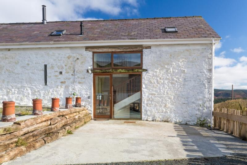 Merlin Barn Oak Entrance - Merlin Barn - Llandovery - rentals