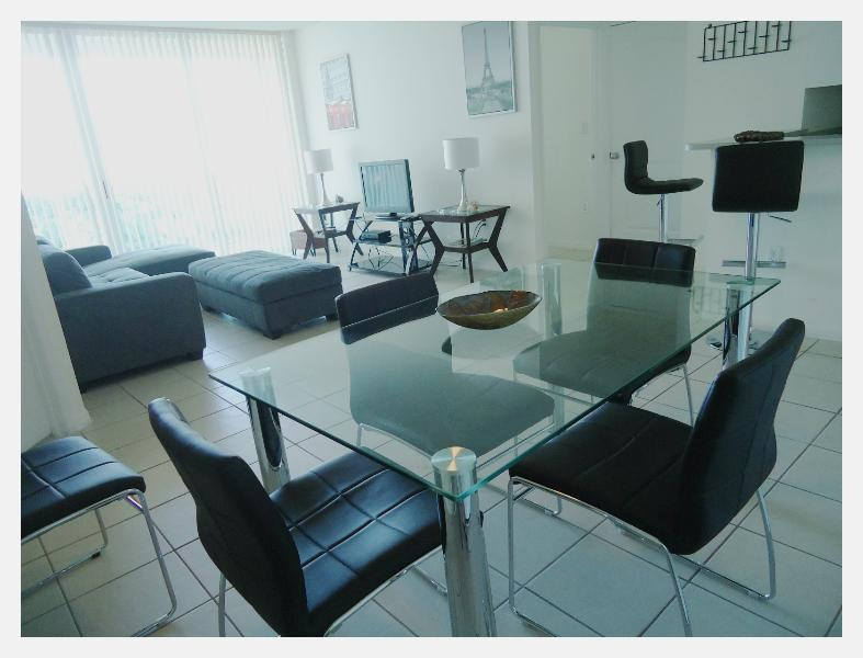 dining room - Standard and cozy apart 2 bedrooms Sunny Isles - Sunny Isles Beach - rentals