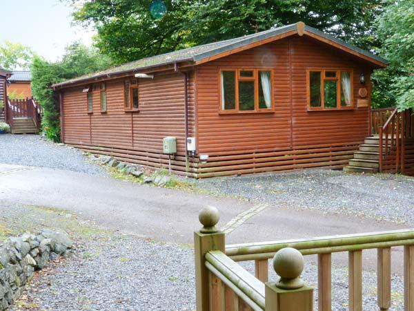 LAKESHAVEN detached lodge, close to Windermere, on-site pool in Troutbeck Bridge Ref 28353 - Image 1 - Troutbeck Bridge - rentals