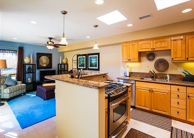 Beautiful open floor plan is perfect for family time. - Be Carefree at Windansea - La Jolla - rentals