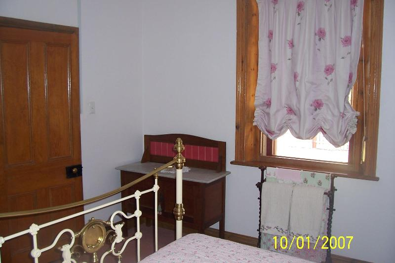 Main bedroom - Getaway Cottage, Gawler, S.A. - Gawler - rentals
