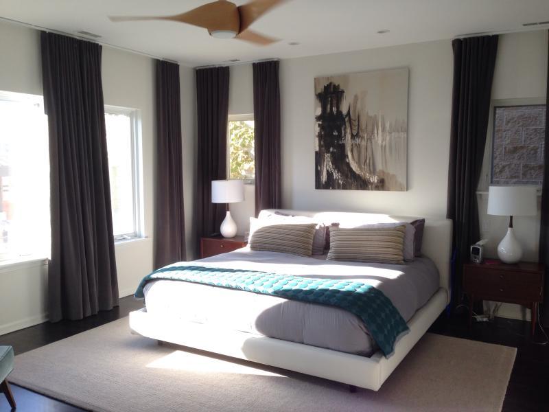 Modern Luxury in Wicker Park, 14 night minimum - Image 1 - Chicago - rentals