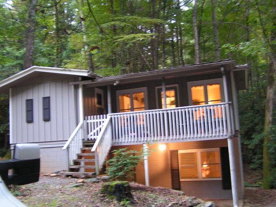 Belle Cottage at Night - Book Mon thru Fri. Sat FREE !  Motorcycle Friendly - Maggie Valley - rentals