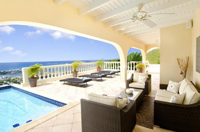 Villa Vista - Ideal for Couples and Families, Beautiful Pool and Beach - Image 1 - Cole Bay - rentals