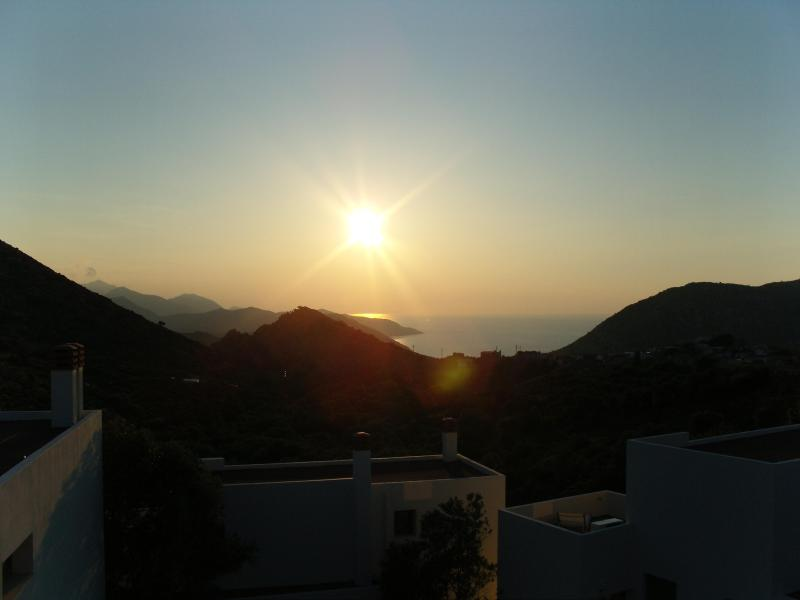 Sun and Front View - Achlada - Mourtzanakis Residence - Heraklion - rentals