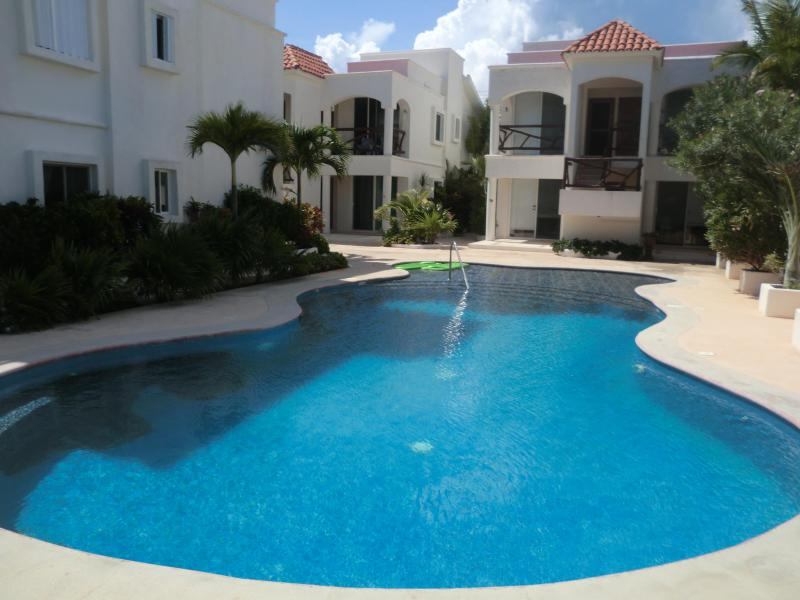 Puerto Morelos Mexico Vacation Condo On the Sea - Image 1 - Puerto Morelos - rentals