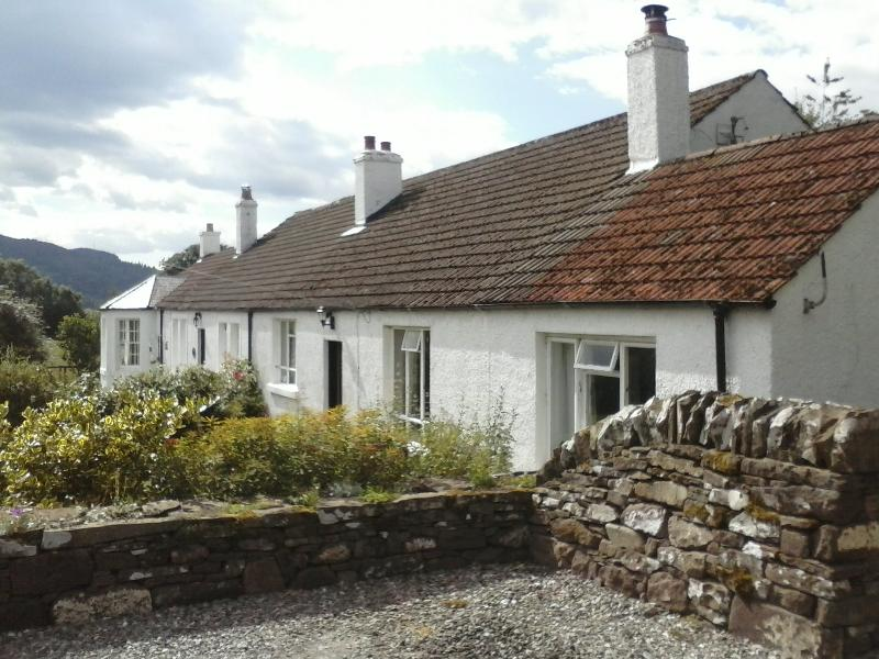 2 bedroom cottage in rural Perthshire - Image 1 - Crieff - rentals