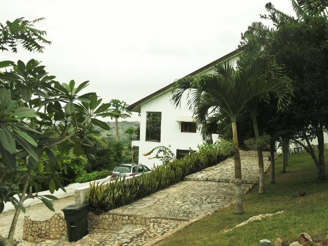 Front view of house - Natural beauty and stunning views over Accra - Accra - rentals