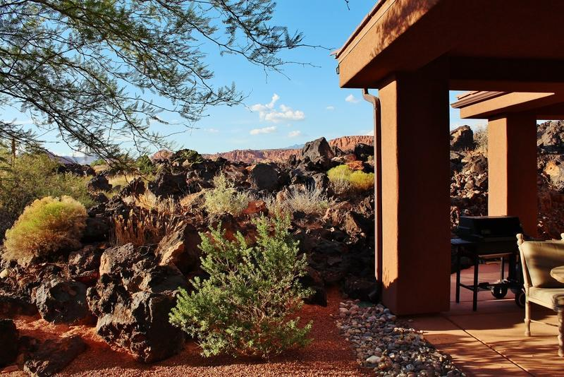 Stunning Views Of Red Mountain & Lava Fields - Stunning Views Entrada 2 Bedroom 2 Bath Home - Saint George - rentals