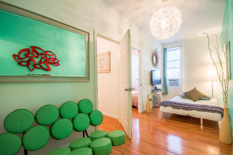 Gorgeous 2 Bedroom - Just 13 minutes to Times Squa - Image 1 - New York City - rentals