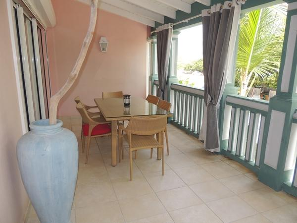 2 Bedroom's appt with small sea view - Image 1 - Orient Bay - rentals