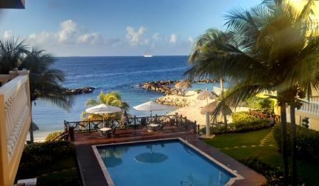 The magic of a vacation you will never forget!! - Beautiful Ocean-Front Apt. private beach pool  Wilmstad - Willemstad - rentals