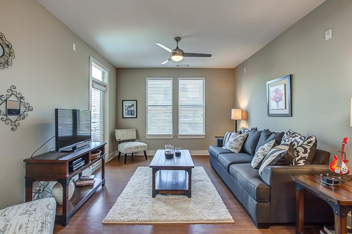 Stay Alfred Downtown Property Sleeps 7 1N3 - Image 1 - Nashville - rentals