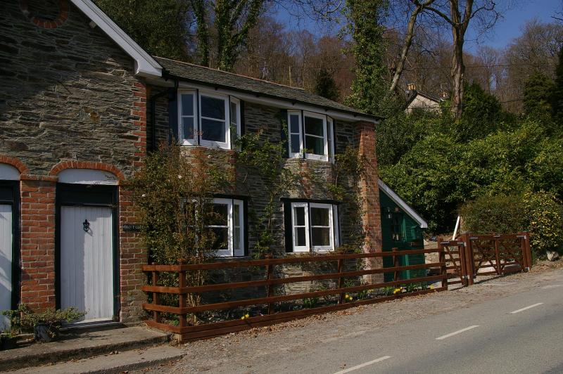 Dan Y Coed Cottage - 4* cosy Welsh cottage with valley views - Llanidloes - rentals