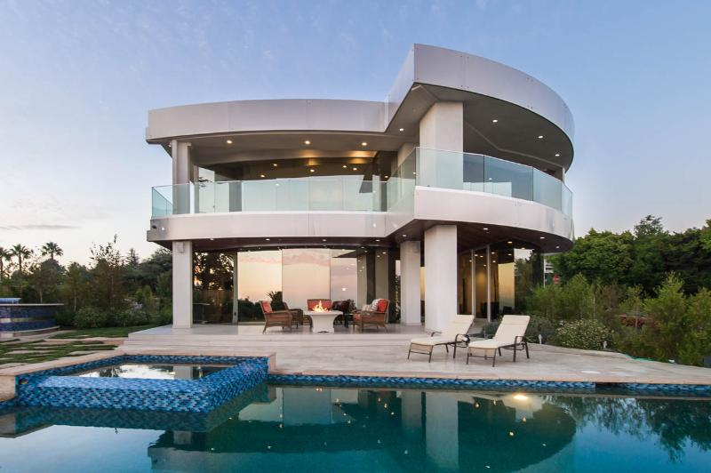 Hollywood Hills Modern Masterpiece Amazing Views - Image 1 - Los Angeles - rentals