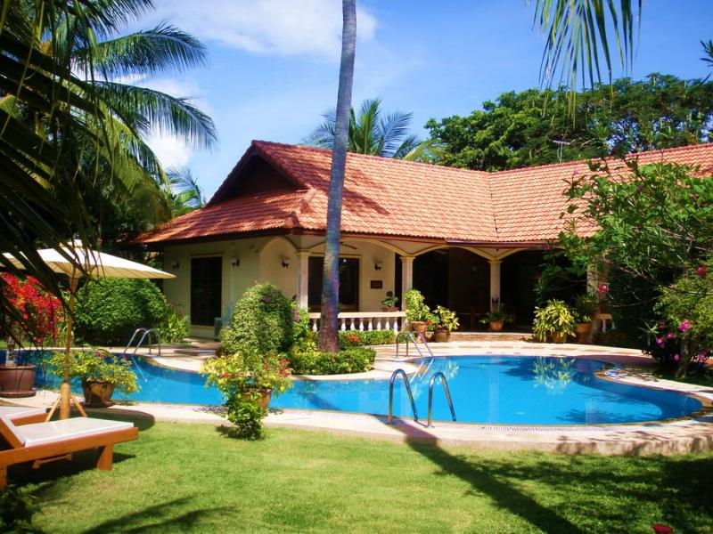 "FABULOUS COCONUT BAY 4 BEDROOM LUXURY VILLA - ""COCONUT BAY""Stunning 4 bedroom Villa in Paradise"" - Nai Harn - rentals"