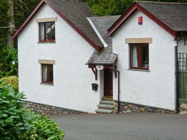 PINE LODGE, pet-friendly cottage with patio, close to lake with jetty, ideal touring base, Windermere Ref 23064 - Image 1 - Bowness-on-Windermere - rentals