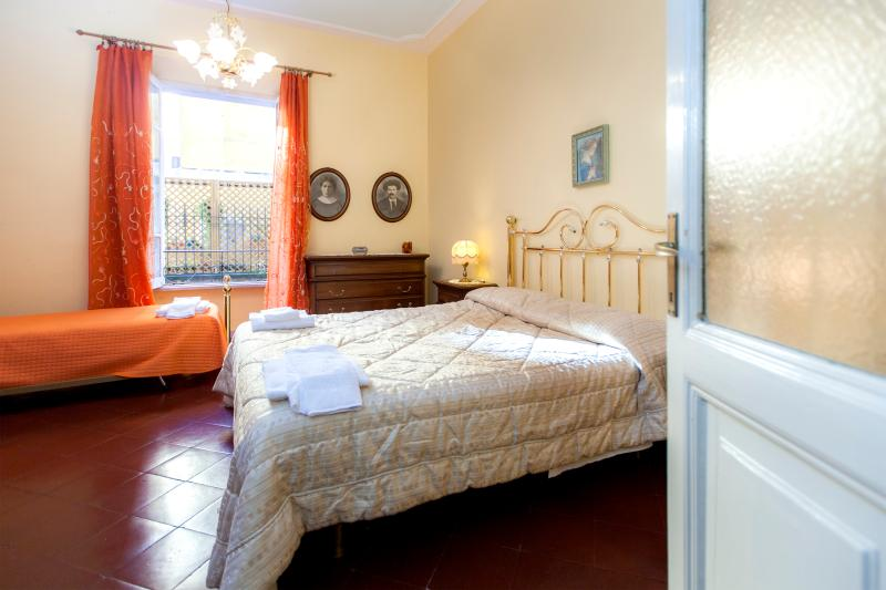 St.Peter's flat: 5 min from Vatican, wi-fi & airco - Image 1 - Rome - rentals