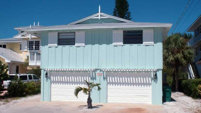 Welcome to Bradley's Beach House! - Bradley's Beach House: 4BR Pool Home Steps From Beach - Anna Maria - rentals