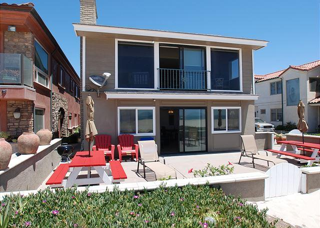 Fantastic Oceanfront home with great outdoor patio! (68273) - Image 1 - Newport Beach - rentals