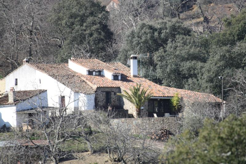 Fachada principal - Casa Rural en  Sierra de Aracena y Picos de Aroche - Aracena - rentals