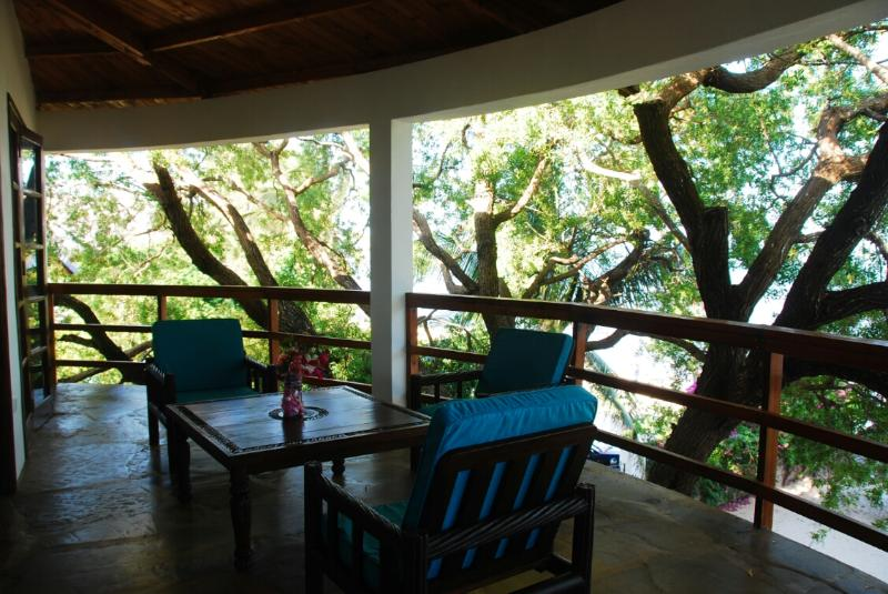 Flat on the beach with terrace on indian ocean - Image 1 - Malindi - rentals