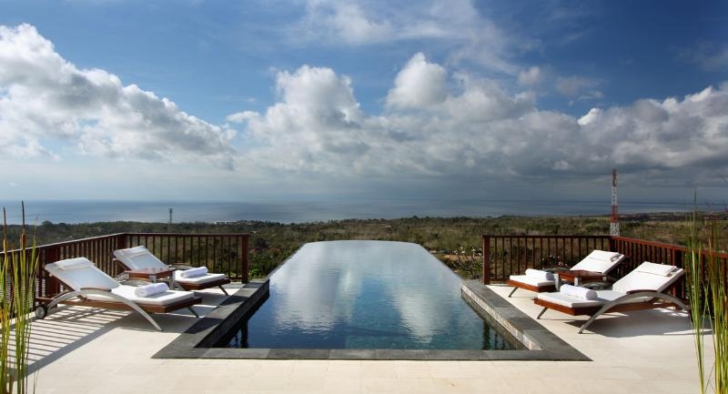 Luxury Hillside Villa with hanging Infinity Pool - Image 1 - Pecatu - rentals