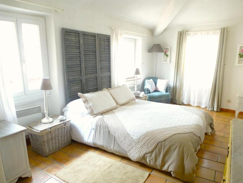 double bedroom - Pretty Corner House in Heart of Village with WiFi - Cagnes-sur-Mer - rentals