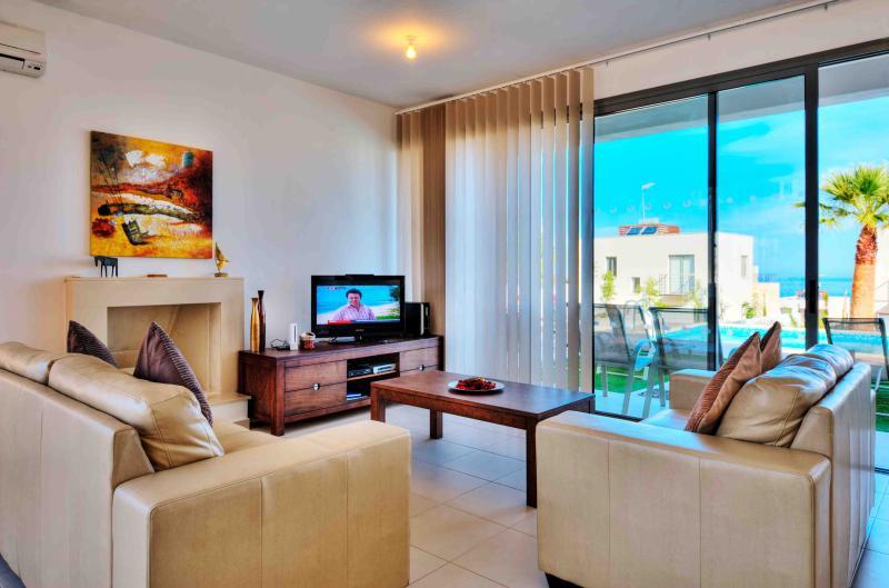Villa Azura - Image 1 - Paphos - rentals
