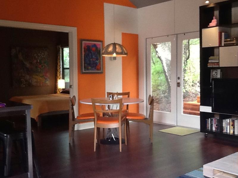 Open floor plan - The Studio at 9055 - Boerne - rentals