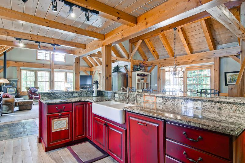 The professional kitchen has nice built-in appliances, granite countertops, and room for several helpers. - Beautiful mountain home 600yds from slopes with hot tub, pool table, free shuttle - Timber Peak Lodge - Breckenridge - rentals