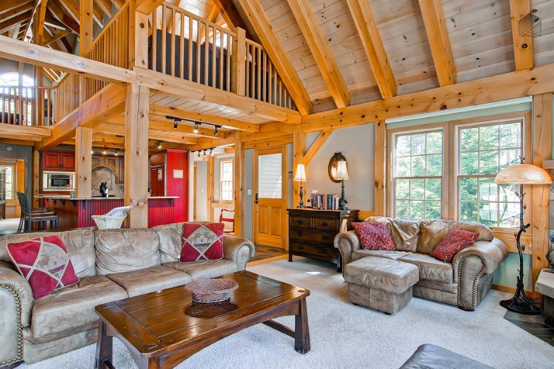 "The great room has plenty of comfy seating, a 47"" flatscreen TV, DVD player, Bose speakers and cable. - Beautiful mountain home 600yds from slopes with hot tub, pool table, free shuttle (600 yds to slopes, free shuttle) - Timber Peak Lodge - Breckenridge - rentals"