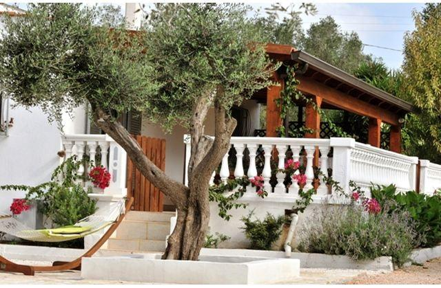 Beautiful Veranda - Villa Sleeps 6 with Private Pool - Ceglie Messapica - rentals
