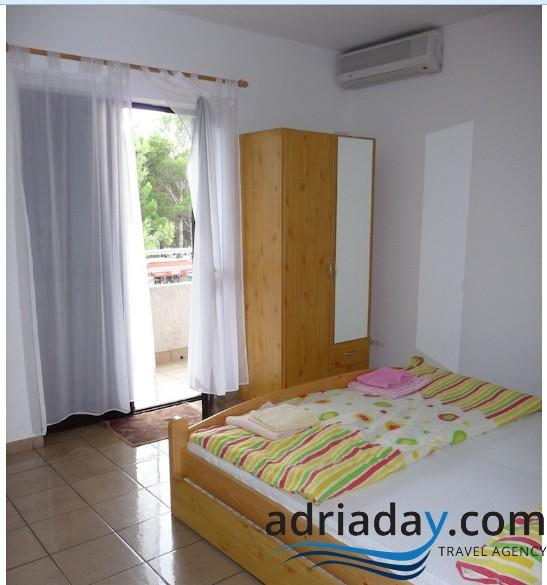 Nice apartment Bobo 3 for 2+1 pax in the center of Novalja - Image 1 - Novalja - rentals