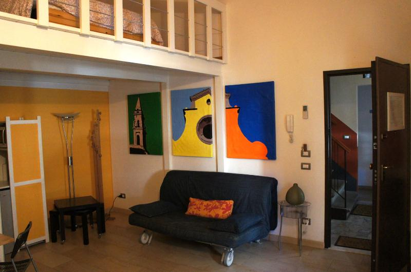 living room with the sofa bed - A Casa di Olga 1 bedroom apartment - split level - Florence - rentals