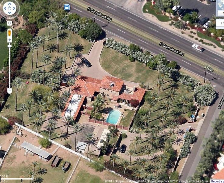 Aerial View of Property - BEAUTIFUL GUEST VILLA WITH CAMELBACK MOUNTAIN VIEW - Phoenix - rentals