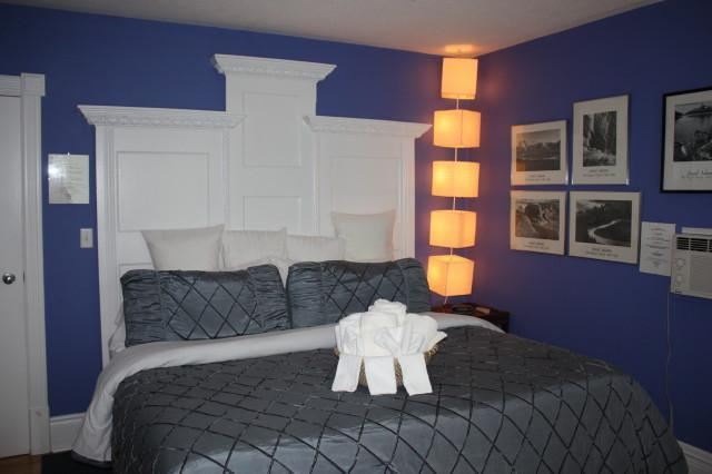 ANSEL ADAMS SUITE - Ellis House Bed and Breakfast - (Jacuzzi / Fireplace / King Bed) - Ansel Adams Suite - Niagara Falls - rentals