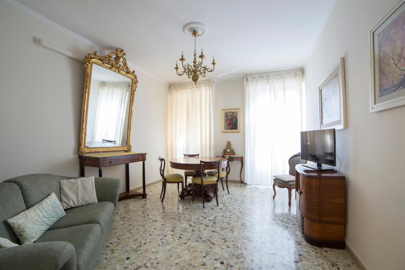 MARONCELLI, Quiet two-bedroom flat (35) - Image 1 - Florence - rentals