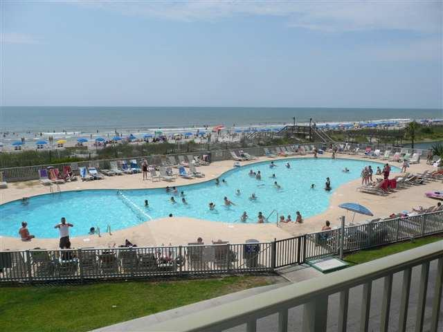 Main pool with view of the beach with it's private entrance - Wonderful Condo with a Grill, Pool, and Balcony at the Myrtle Beach Resort - Myrtle Beach - rentals