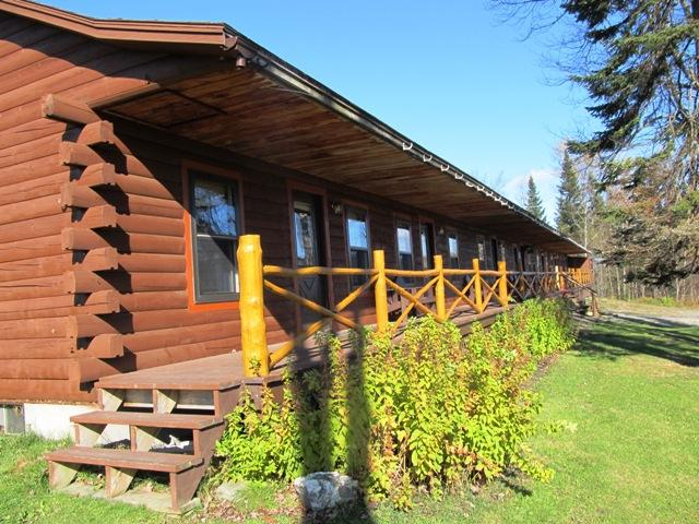 Log Cabin Lodge with front porch - Buck Rub Lodge #1 in Pittsburg NH - Pittsburg - rentals