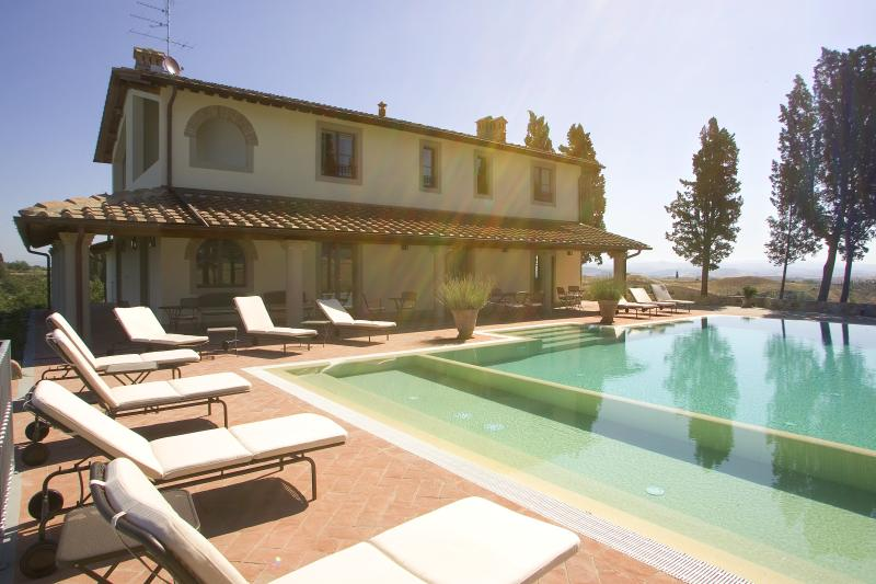 Absolute peaceful position for a 12 sleeps villa with pool - Image 1 - Montaione - rentals